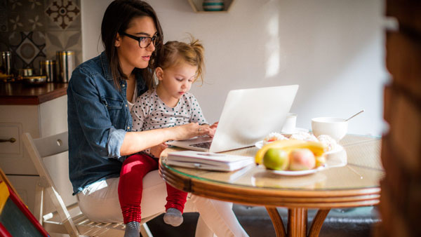 Tips for working parents to stay connected with kids